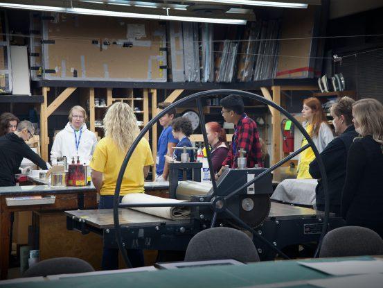 Professor Goro-Rappoport demonstrating printmaking with students